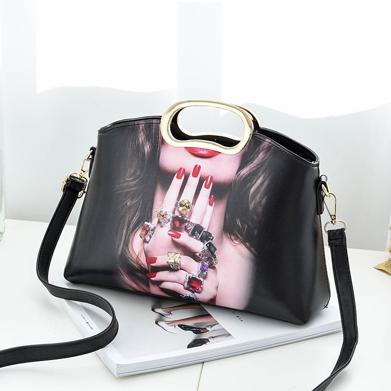 New Design Fashion Women Small Shoulder Bag Messenger Handbag - Black