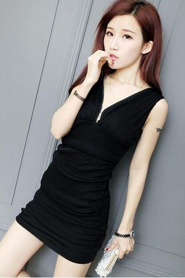 Free Shipping Sexy V-Neck Mini Dress - Black