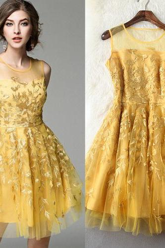 Yellow Luxury Designer Embroidery Sleeveless Dress